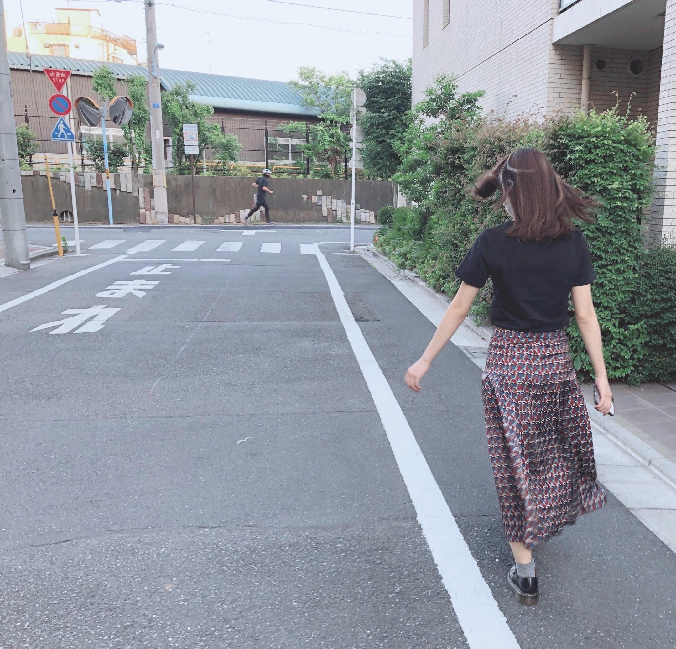 つや感スカートで、夏をおもいっきり楽しんじゃう♡_1