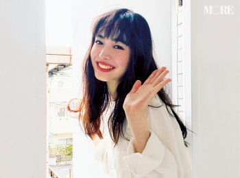 『仮面ライダーゼロワン』出演、井桁弘恵が撮影中に危機一髪!? 【モデルのオフショット】