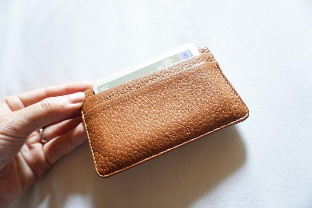 【20代女子の愛用財布】CELINEの三つ折り財布_3