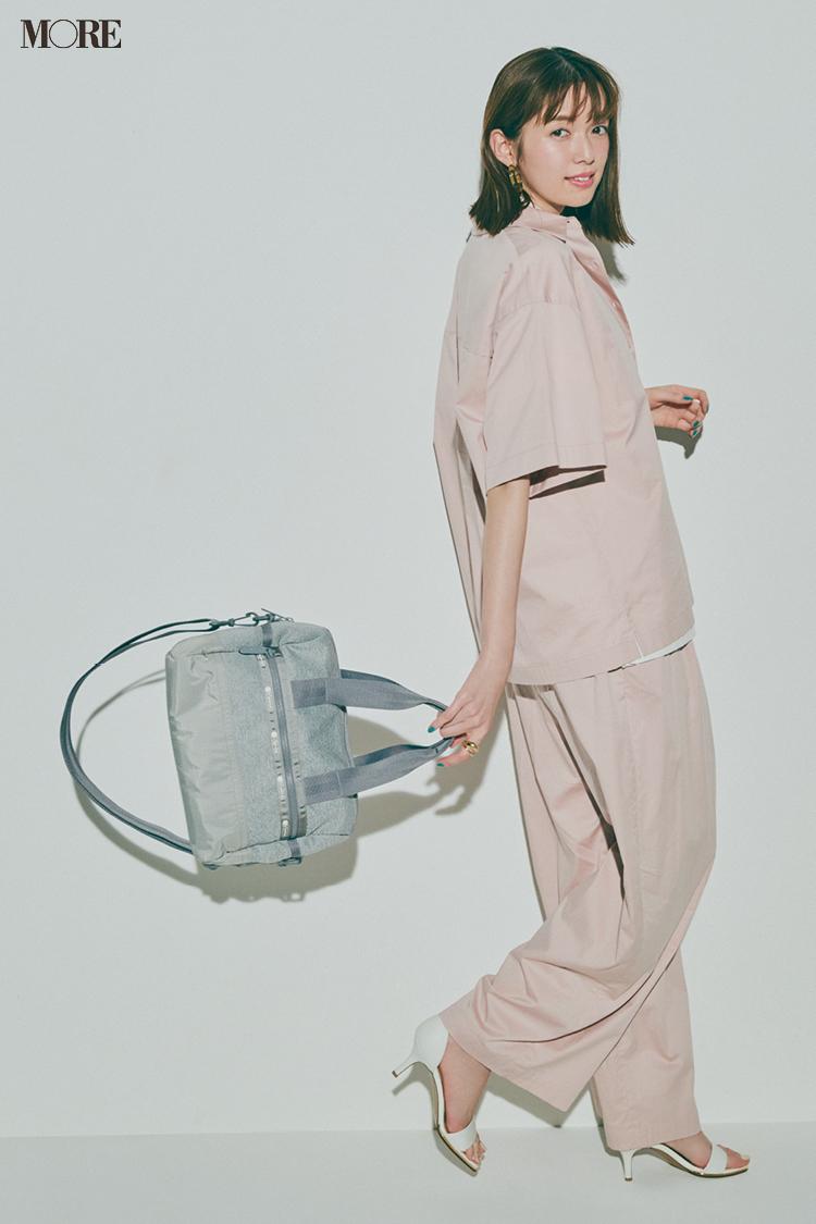 【今日のコーデ】パンツコーデにレスポートサックのバッグを合わせた佐藤栞里
