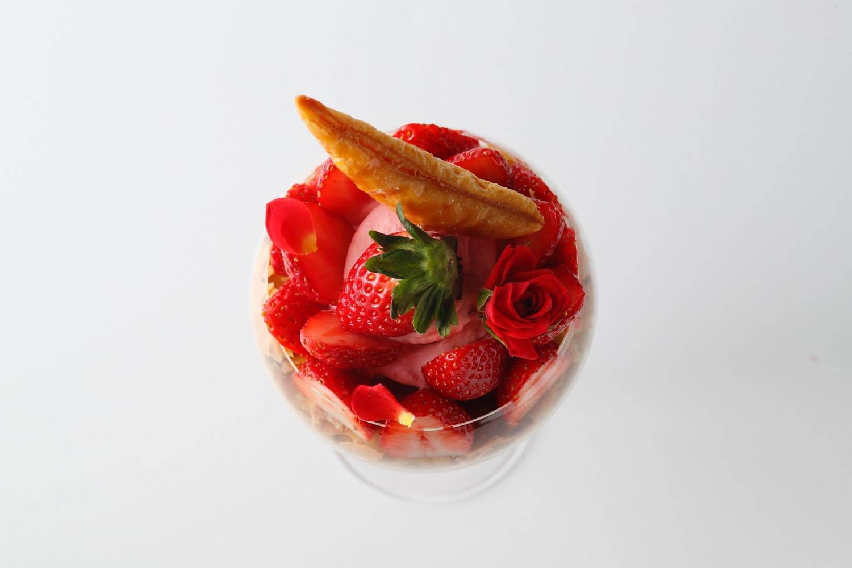 表参道のおすすめカフェ『エンポリオ アルマーニ カフェ』の、3月限定いちごスイーツが気になる♡【#いちご 2020】_2