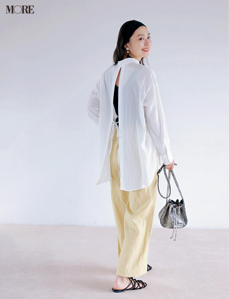 お仕事もデートもまかせて♡ 「とろみ素材の白甘シャツ」の着回しでかなう、4つのコーデ_4