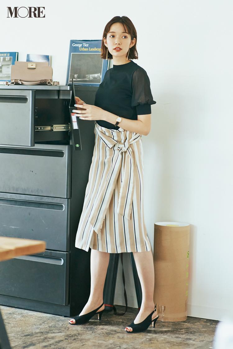 ベージュコーデ特集(20代後半女子向け)- 春におすすめのワンピースやスカート、靴などのコーディネートまとめ_17