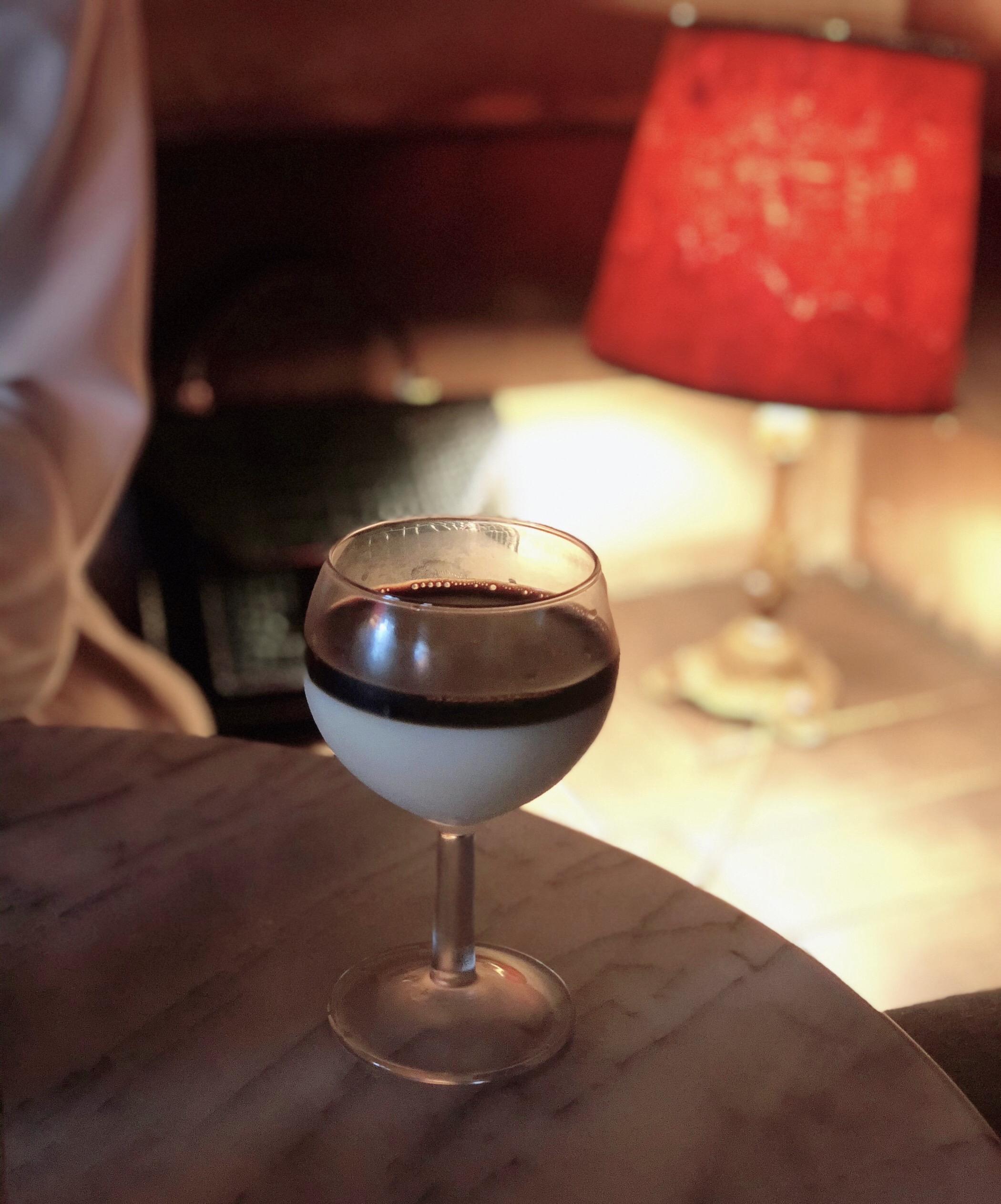【表参道カフェ】2層のオレグラッセが新鮮♪アンニュイな雰囲気が魅力の「カフェ レ ジュ グルニエ」_1