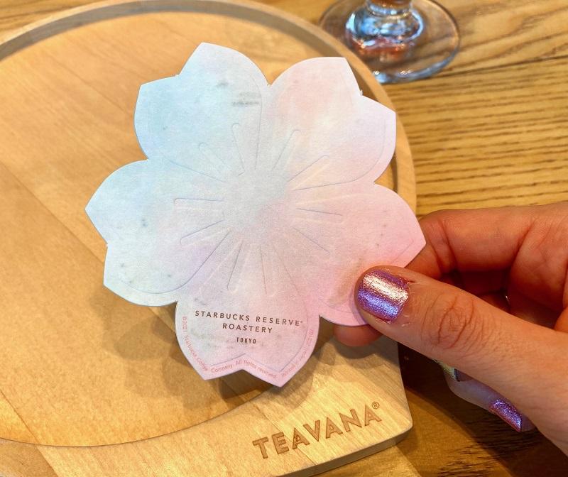 『スターバックス リザーブ ロースタリー 東京』のさくらメニュー「ティバーナ™ クリーム ソーダ さくら」コースター