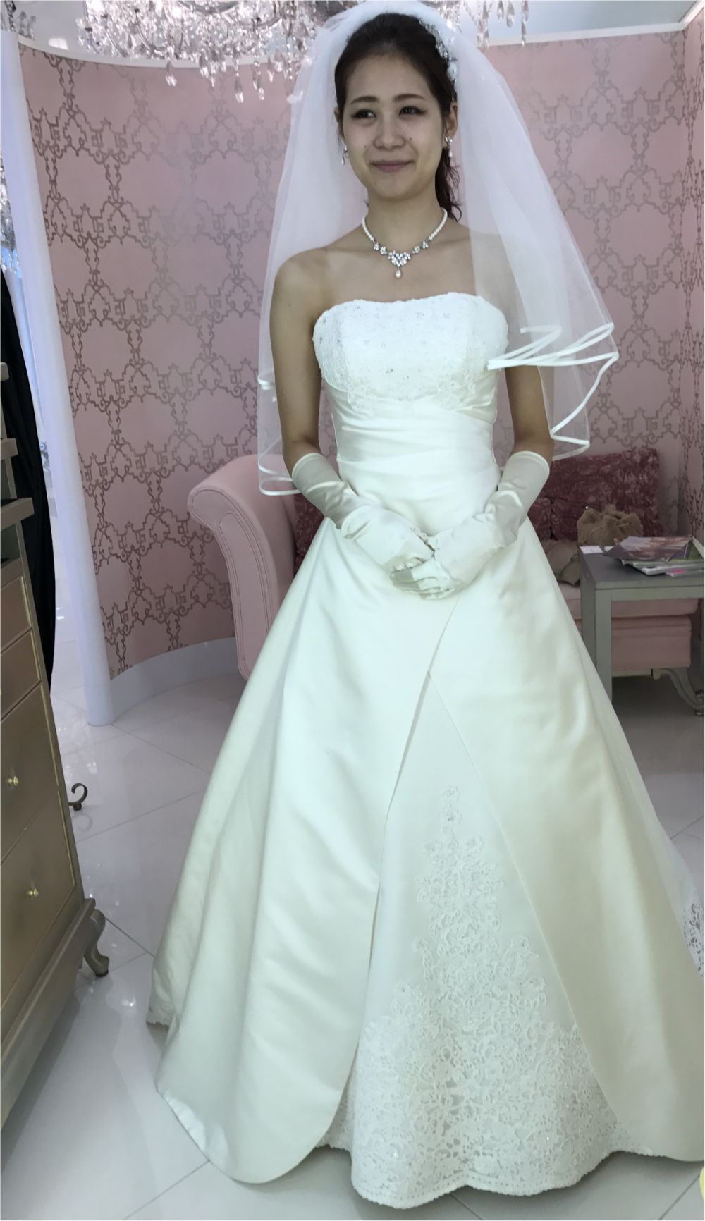卒花さんに聞く【ドレス特集】-  結婚式・二次会におすすめ! プレ花嫁さんに人気のおしゃれなウェディングドレスは?_30