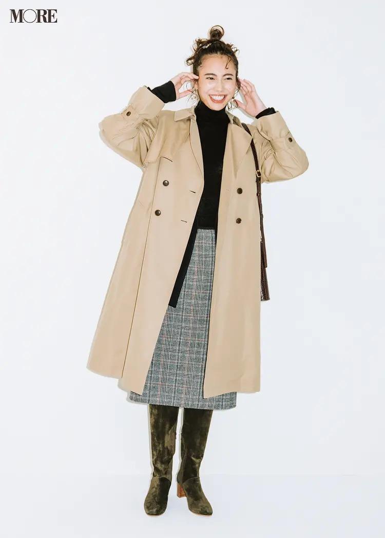 ストレートタイプに似合うトレンチコートとジャケットのコーデ