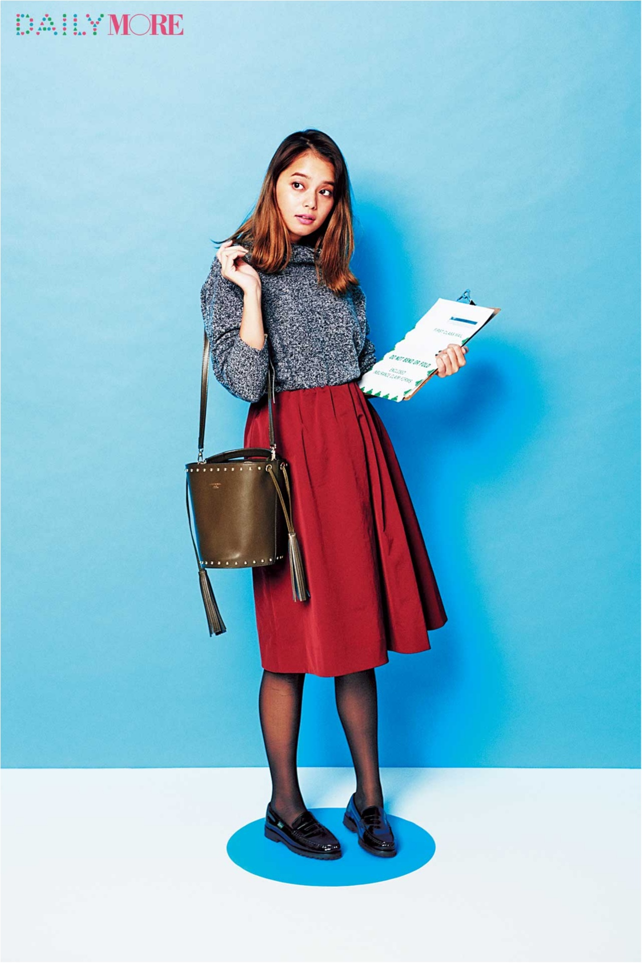【今日のコーデ/岸本セシル】ボルドーのスカートがはきたい水曜日はシックな黒を味方につけて!_1