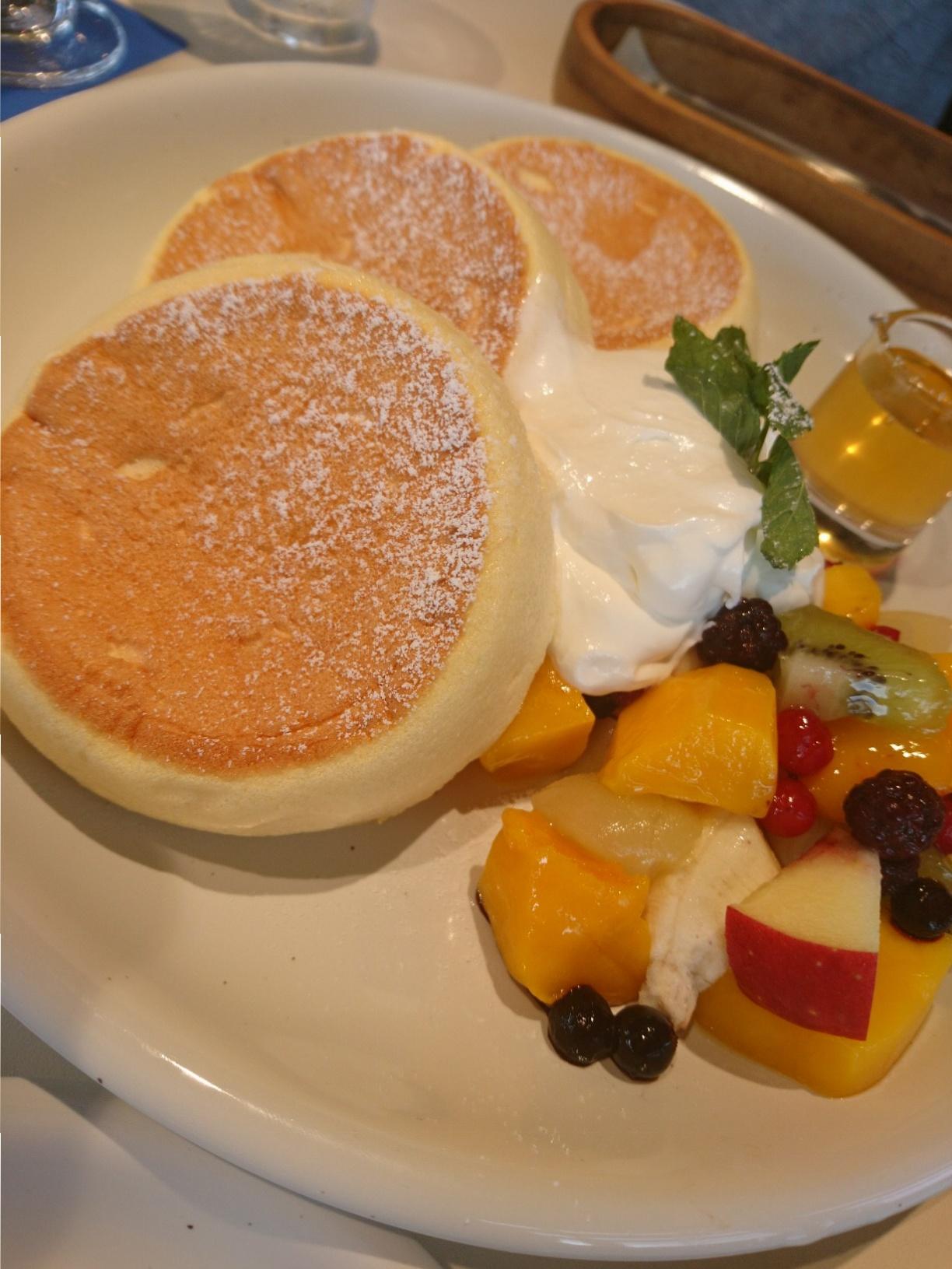 ≪兵庫県・西宮≫海を眺める「映え」カフェでいただく、ふわふわパンケーキが美味!_2