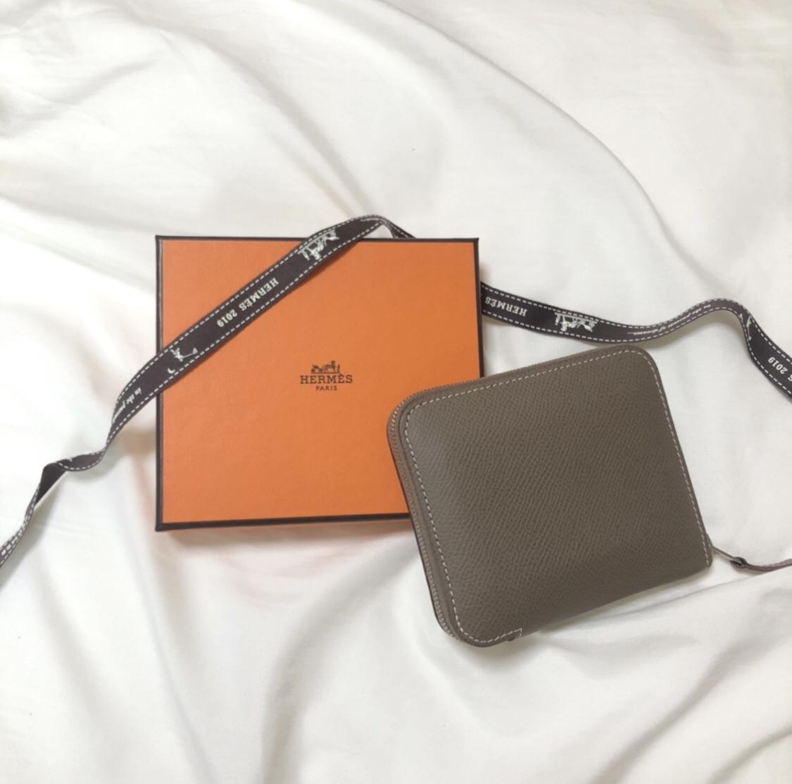 【20代女子の愛用財布】『エルメス』のコンパクト財布が人と被らない♡_1