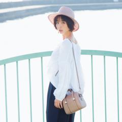 【2月に買って4月までずっと着る!】篠田麻里子のブラウス着まわし×3