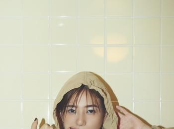【伊藤千晃さんスペシャルインタビュー】「ほとんど私自身の事です」という新曲「真夜中の処方箋」の歌詞に注目! 最新おしゃれ情報もお届け!! photoGallery