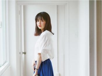 着るだけで華やぐ【真夏のきれい色ボトム】コーデ15選 | ファッション