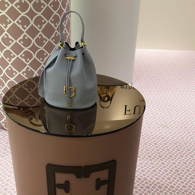 『フルラ』春夏展より。新作バッグとお財布のエレガントさに惹かれて【 #副編Yの展示会レポート 】_1