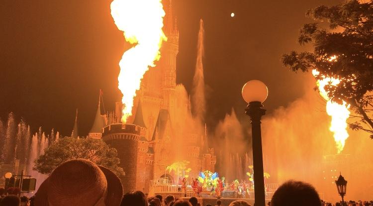【夏ディズニー】水と炎のナイトショーが綺麗すぎる♡newショー《オー!サマー・バンザイ!》_4