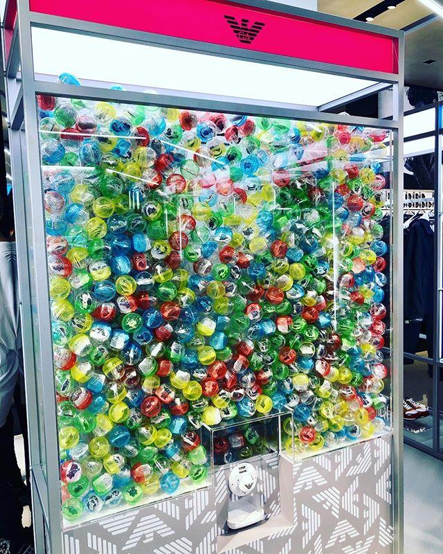 『EMPORIO ARMANI 青山店』がゲームセンターに変身⁉︎_3