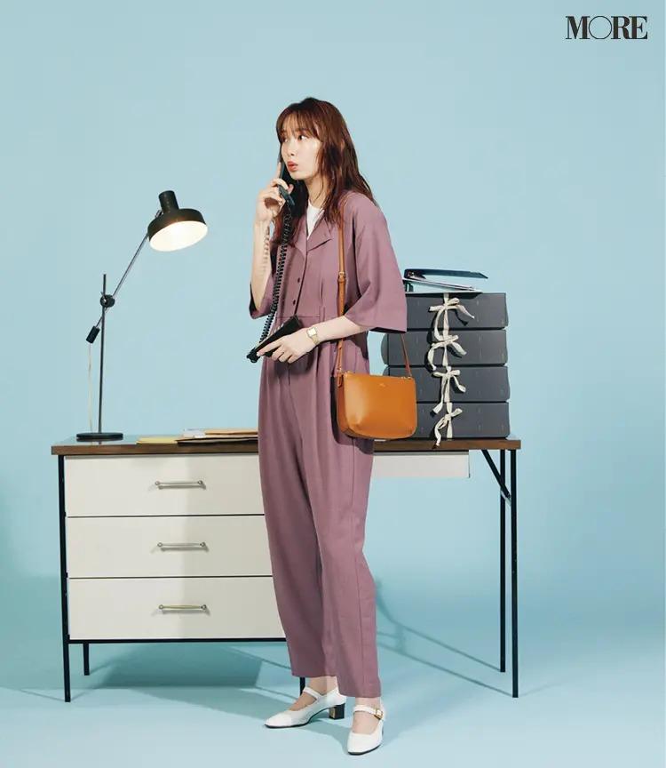 【秋オフィスカジュアル】バッグと靴の端正なスクエアディテールがきちんと見えにきく