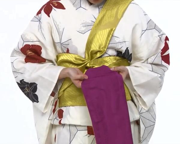【わかりやすい動画付き】浴衣のセルフ着付け・帯の結び方 - 一人でできる! 女性の浴衣の着方は?_53