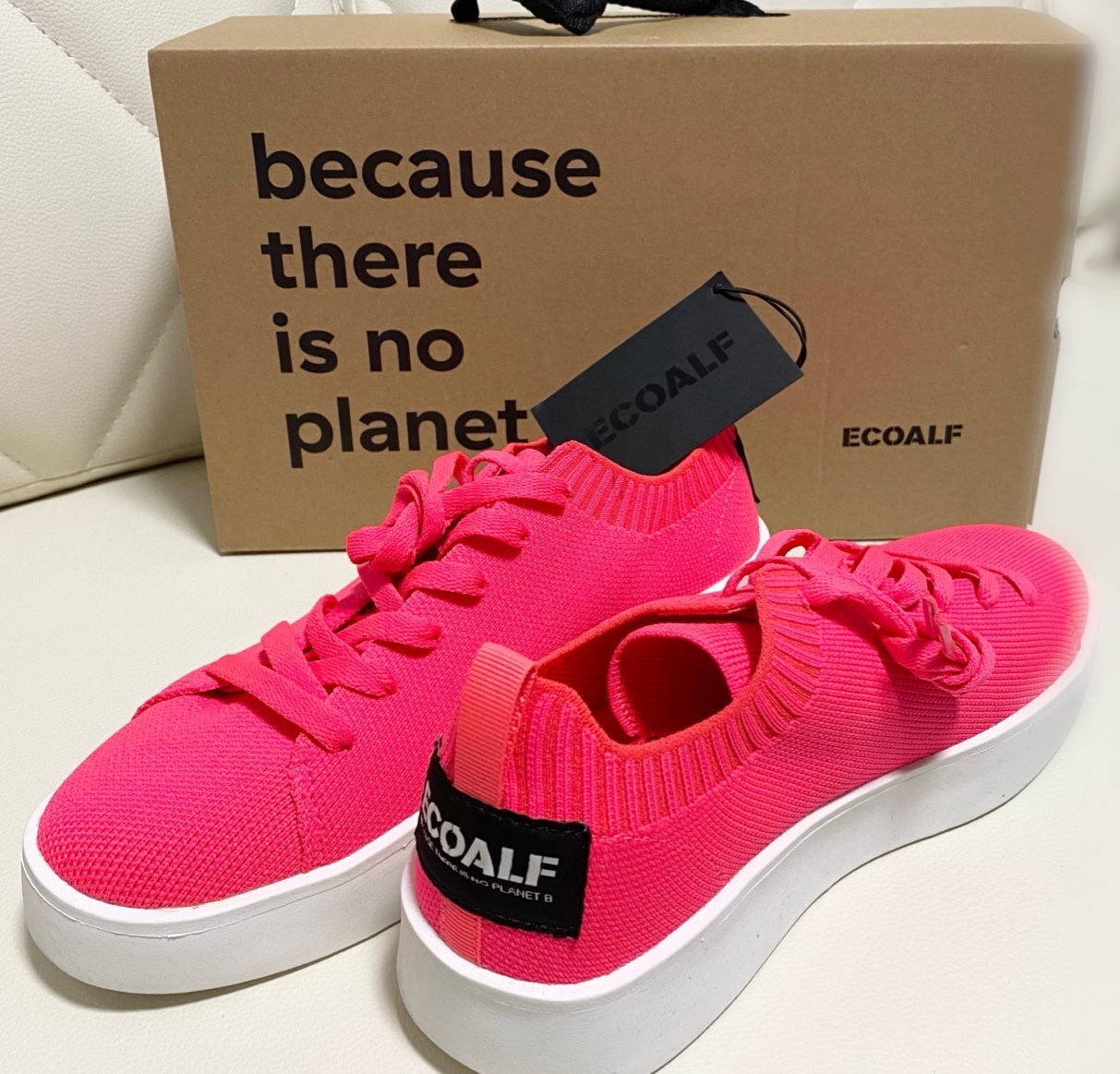 スニーカー ピンク サステイナブル エシカル ファッション