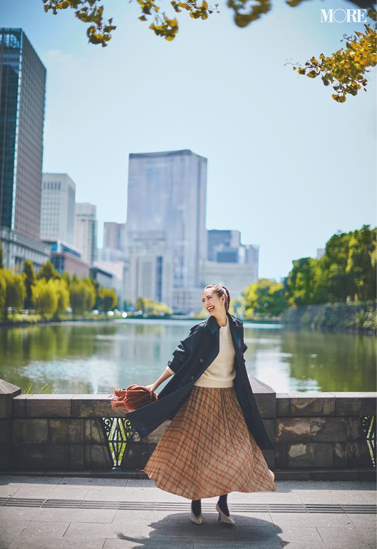 白ニットコーデ【2020冬〜春】- 着膨れしない細見えテクニックなど、白い服の最旬レディースコーディネートまとめ_27