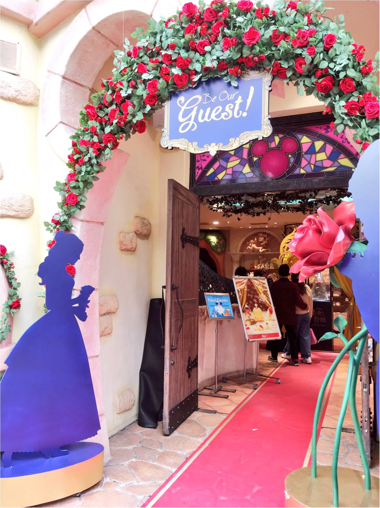 ♡Be Our Guest♡まるで舞踏会に招待されたみたい!渋谷ディズニーストアの『美女と野獣』デコレーションをご紹介(﹡´◡`﹡ )_2