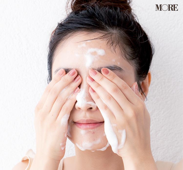 【石井美保さん式洗顔①】美肌が叶う「摩擦ゼロ洗顔」のやり方。泡の量、洗い方、すすぎ方etc. 美容家・石井美保さん直伝の洗顔方法とは?_6