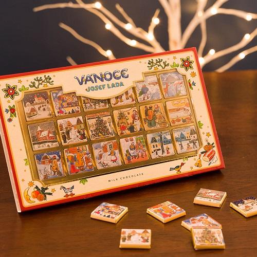 カルディのクリスマス限定お菓子「カーラ ナポリタンチョコレート ヨゼフ・ ラダデザイン」パッケージ