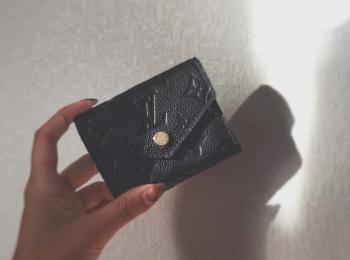 【20代女子の愛用財布】コロンとしたLOUIS VUITTONのミニ財布がお気に入り