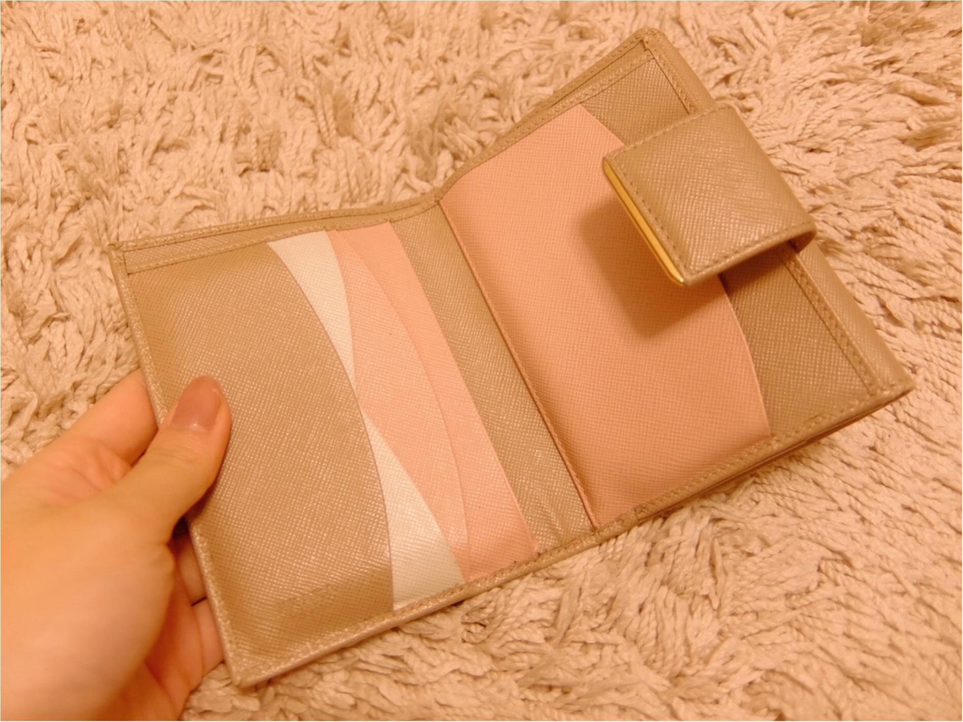 愛用財布は【PRADA】♡二つ折り派さん必見の≪カード収納術≫も紹介!_2