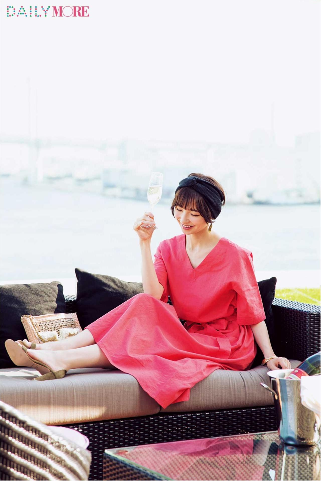 待ち合わせはテラス席。休日の麻里子はマキシワンピでおしゃれする~水辺のテラス編~_2