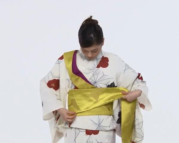 【わかりやすい動画付き】浴衣のセルフ着付け・帯の結び方 - 一人でできる! 女性の浴衣の着方は?_49