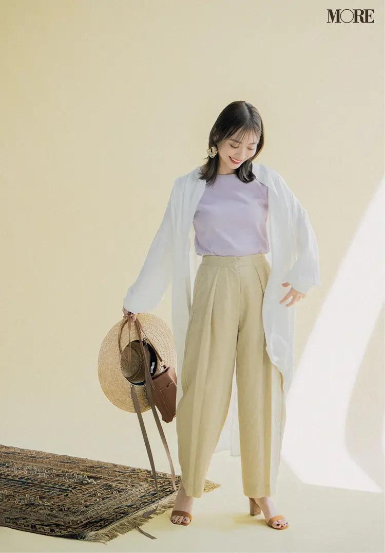 【レディースTシャツコーデ】ラベンダー色Tシャツ×きれい色パンツのコーデ