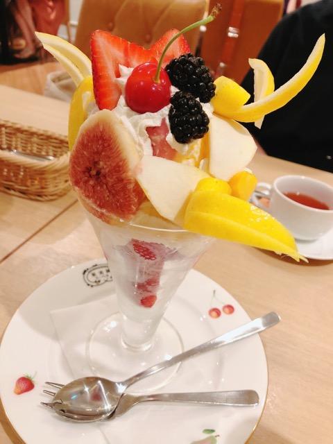 [美味しいフルーツ]果実園リーベル新宿店でパフェ食べてきました![幸せの味]_1