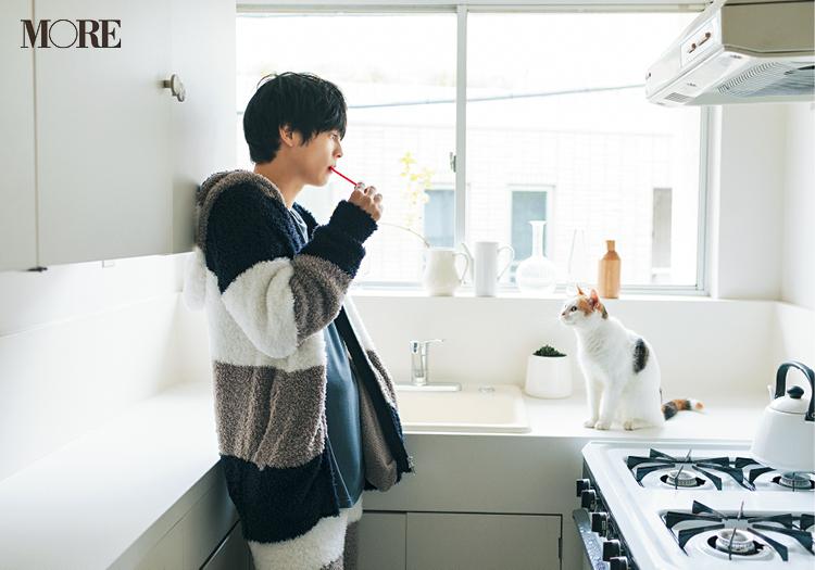 三宅亮輔くんが『ジェラート ピケ』のもこもこウェアを着こなした♡【猫好き男子編】_3
