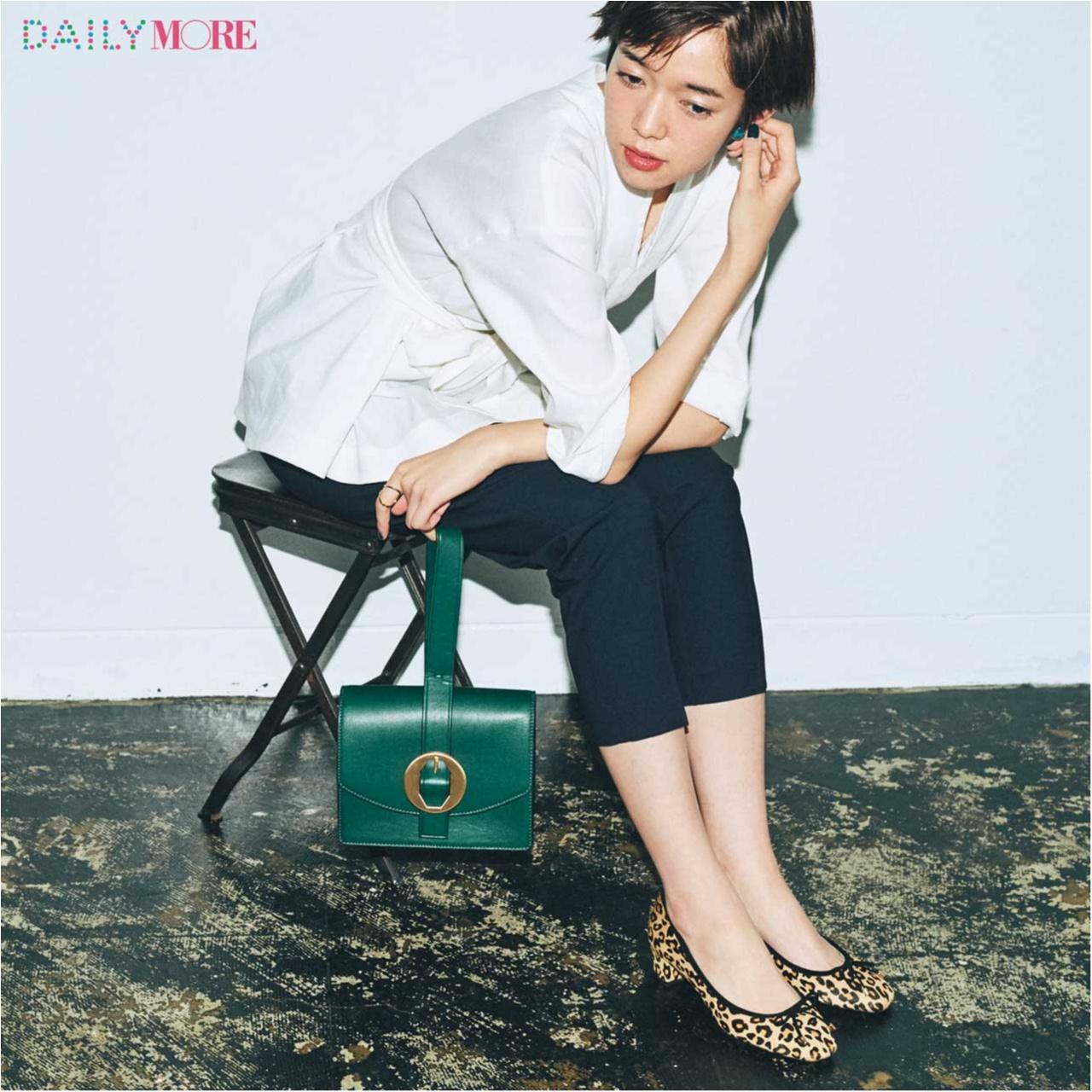 【今日のコーデ/佐藤栞里】スティックパンツで通勤する日は、コンサバに見せない靴&バッグを。_1