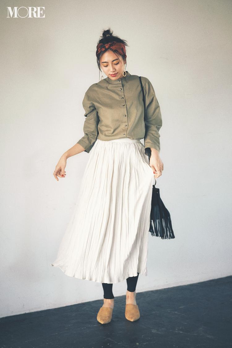 【今日のコーデ】休日の女子会はバンドカラーシャツや旬小物でいつものスカートを上級者っぽく! 〈土屋巴瑞季〉_1