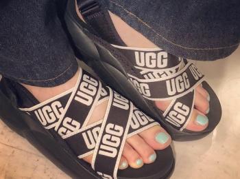 <UGG>雲の上を歩くみたい!?今年のサンダルは履き心地抜群のスポーツサンダルに決定◎