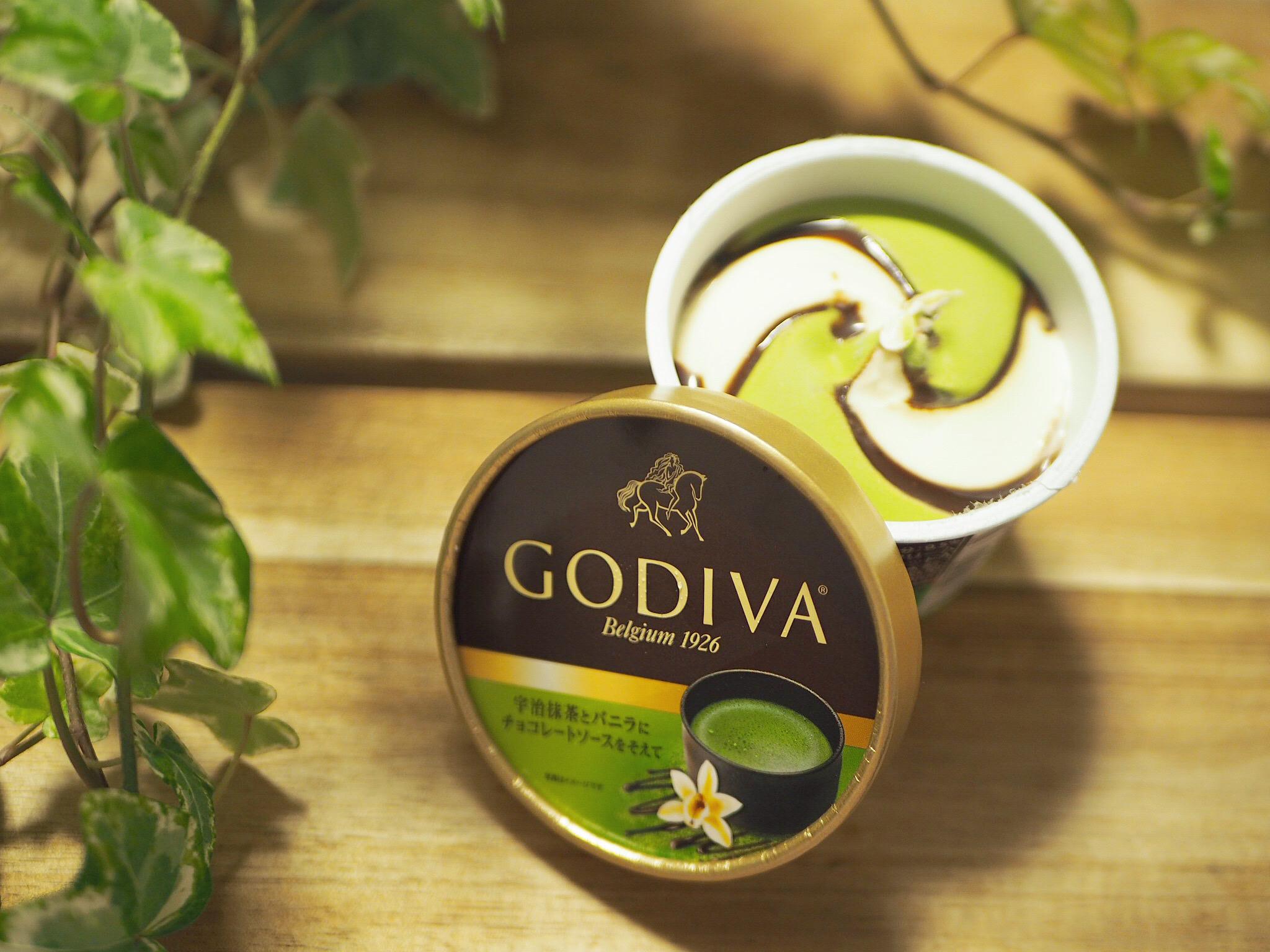 【おすすめアイス】《GODIVA×コンビニアイス》数量限定!「宇治抹茶とバニラにチョコレートソースを添えて」♡_6