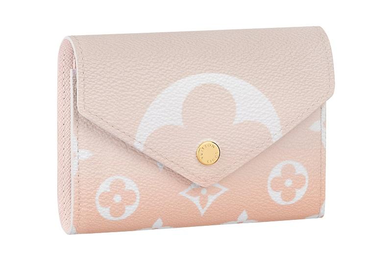 ルイ・ヴィトンの新作財布。ポルトフォイユ・ヴィクトリーヌのピンク