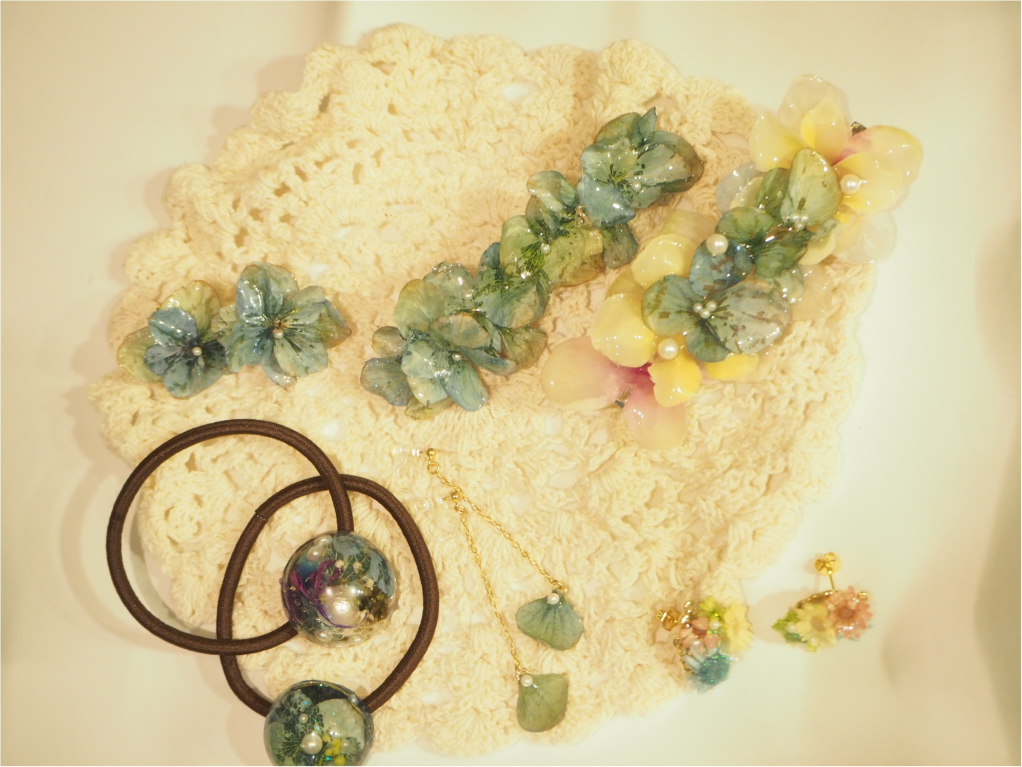 【ハンドメイド部】UVレジンを使って結婚式でいただいたお花を『ドライフラワーアクセサリー』にしてみました。_11