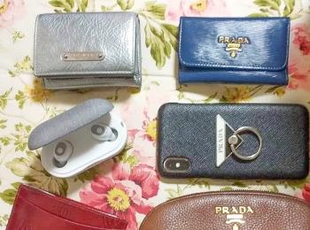 【バッグの中身05】会社員・MIYUUさんは、ポーチ・キーケース・iPhoneケースを大好きな『プラダ』で統一♡