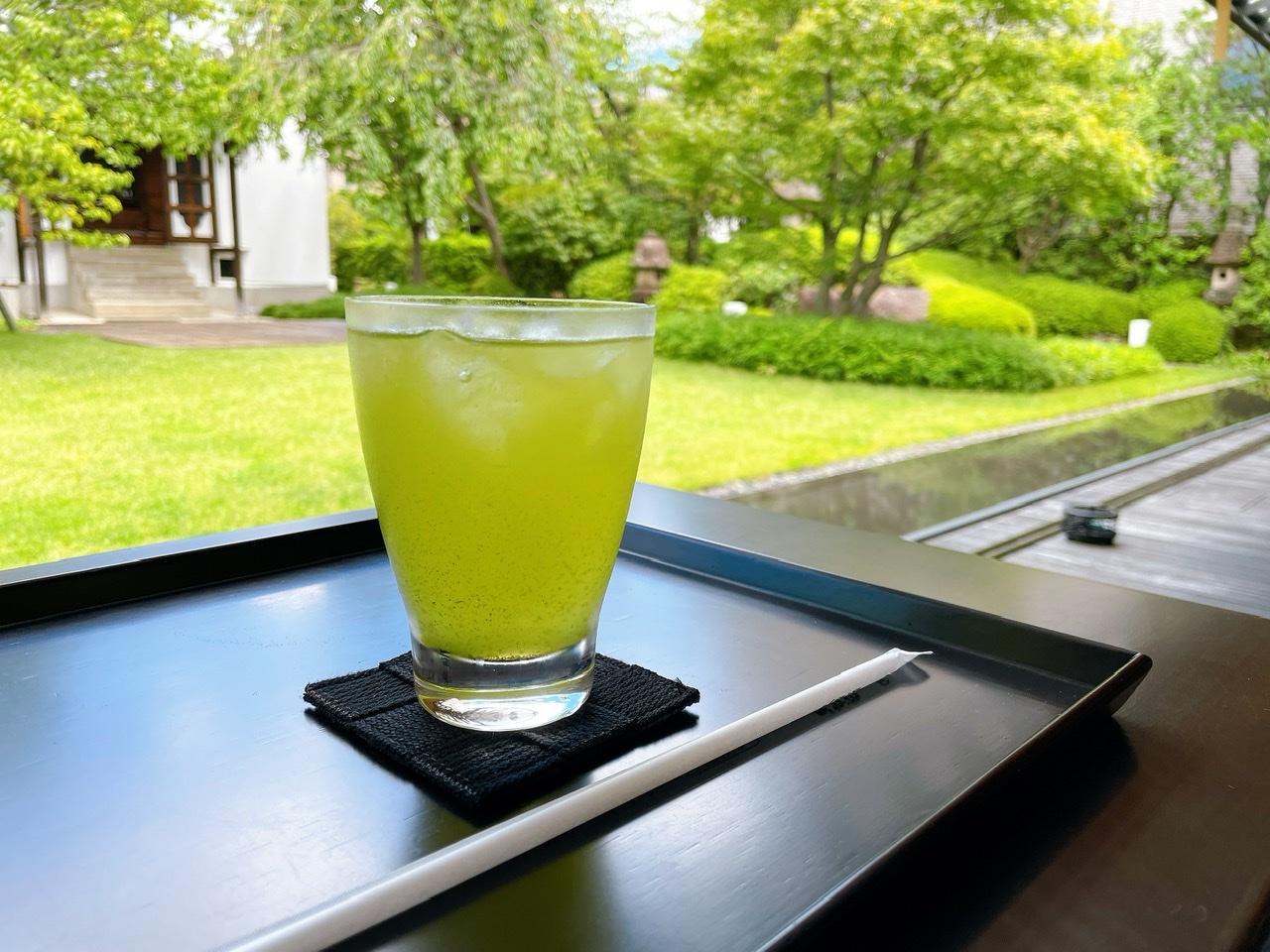 【京都】庭園を眺めながら涼む《虎屋菓寮》_3