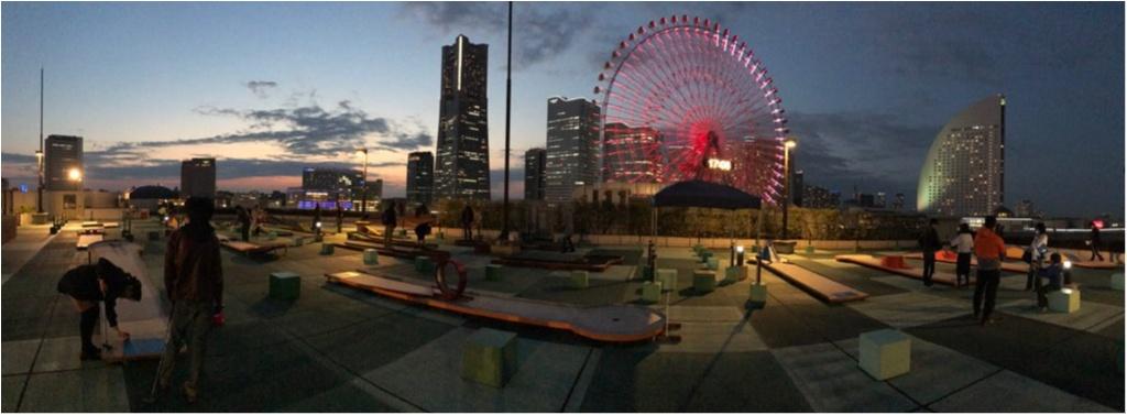 《大人気‼︎》横浜の夜景を見ながら大人のデート♡初心者でも大丈夫‼︎屋上のバーンゴルフ場は新デートスポット( ´艸`)_7
