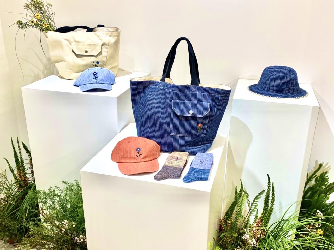 ユニクロ×JWアンダーソンのバッグ、帽子、靴下