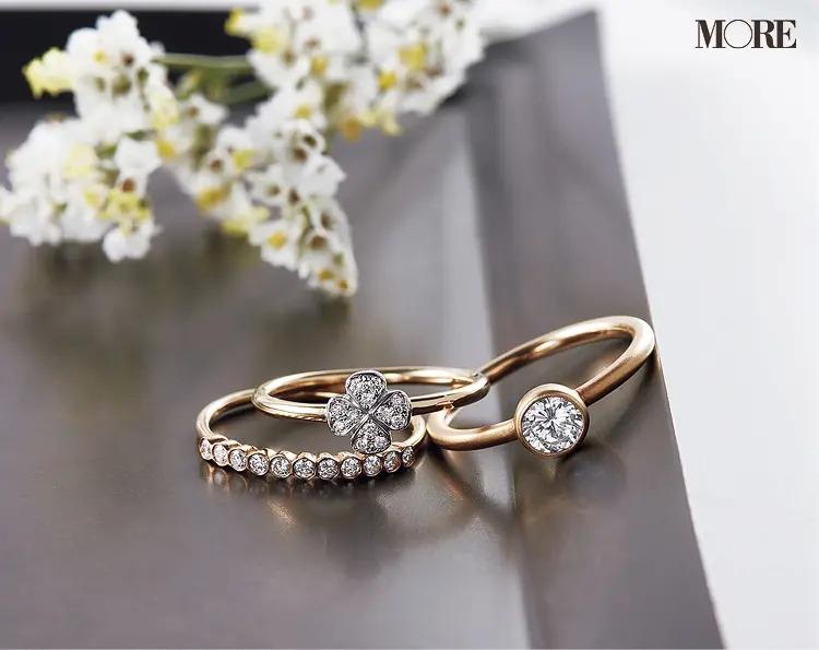 結婚指輪におすすめのマリハのエンゲージメントリングと輝くクローバーリングとハーフエタニティリング