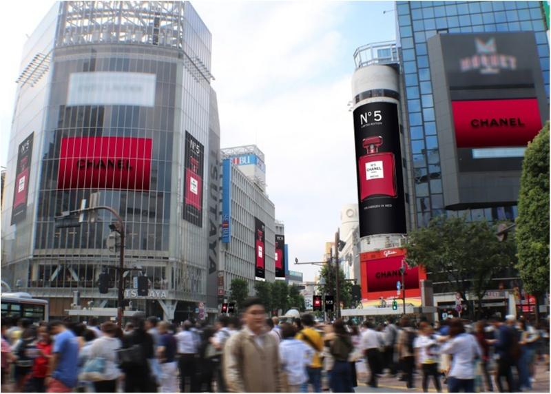 【話題沸騰中!!】「シャネル N°5」の真っ赤な限定ボトルが、渋谷や銀座の街をジャック♥_2