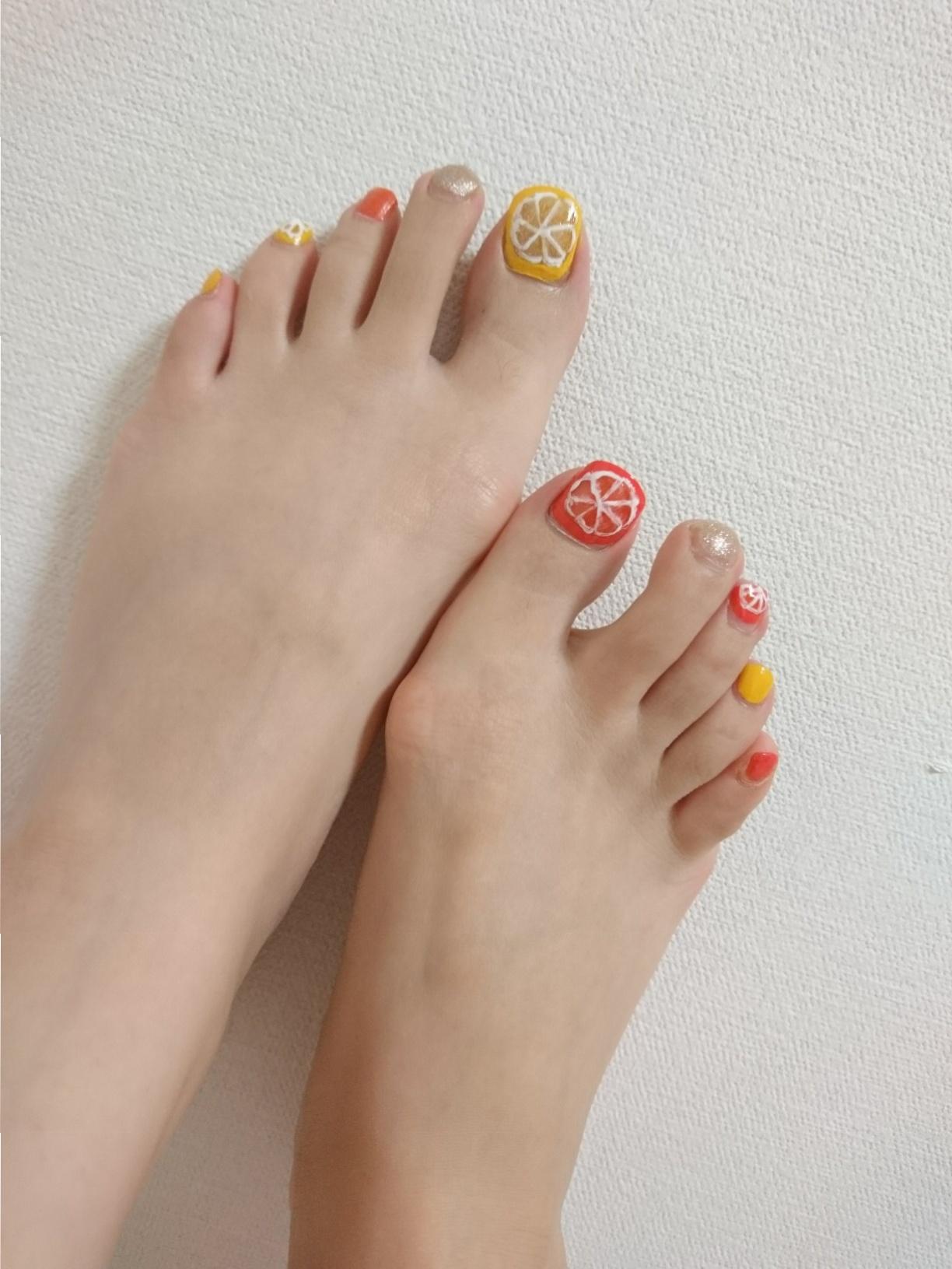 夏の遊びネイルにはフルーツネイルがぴったり☆~休日ネイル~_1