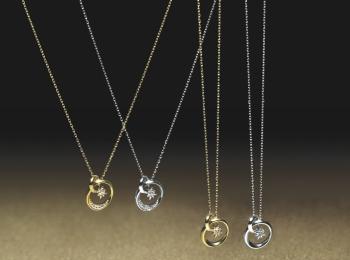 『スタージュエリー』のクリスマス限定アイテムは、ダイヤモンドが輝くネックレス☆