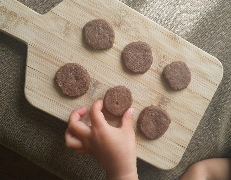レシピあり【材料3つで!?】ホロホロの生チョコクッキーが自宅で簡単にできちゃうなんて!_10