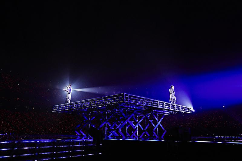 """追加公演決定! 東方神起、15年間の軌跡を刻み込んだXVツアーに見た、ユンホとチャンミンの""""これまで""""と""""これから""""_3"""